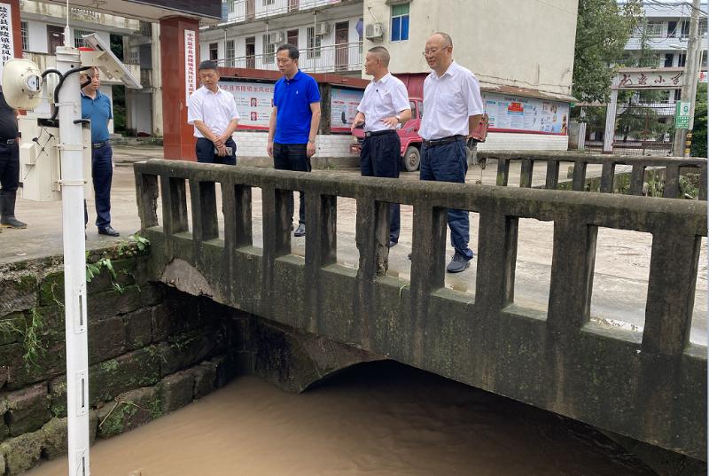 向赟深入乡镇指导防汛救灾和地质灾害处置工作